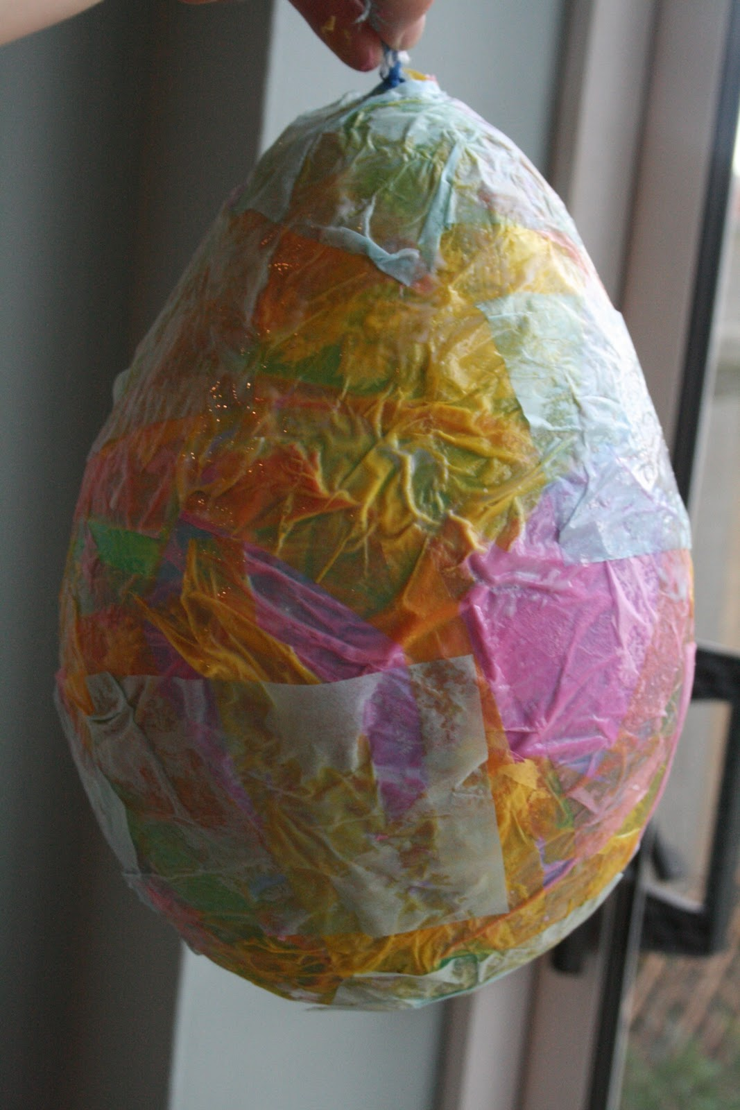 How to Make an Adorable Paper Mache Easter Egg | Easter paper ... | 1600x1067