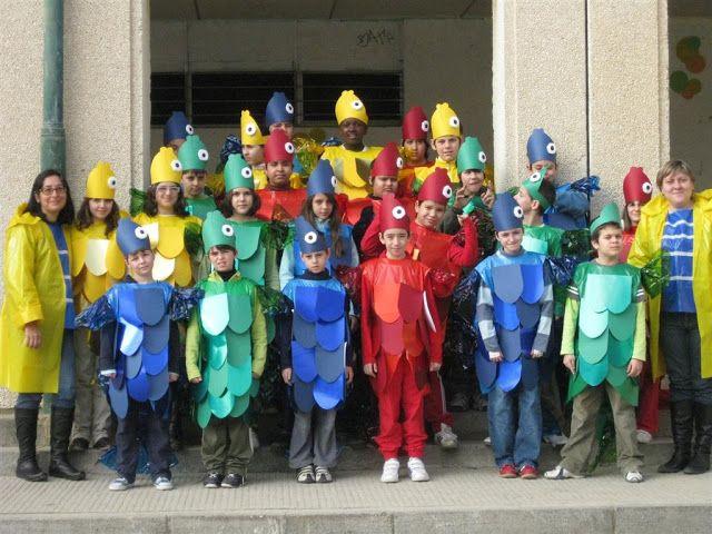 Disfraz de pez para escolares con bolsas de basura