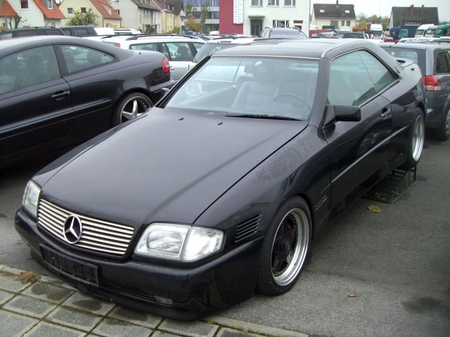 Mercedes_w124_coupe_lotec_2.jpg