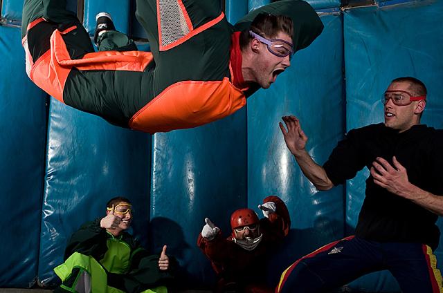 Visite um simulador de paraquedismo em Las Vegas