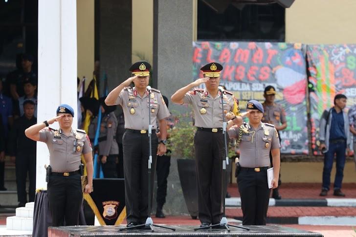 Irjen Pol Umar Septono, Dilepas Dengan Tradisi Farewell Parade Personel Polda Sulsel