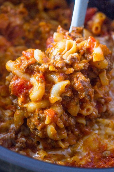 SLOW COOKER GROUND BEEF AND CHEESE PASTA