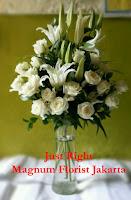 Rangkaian Mawar Putih Cantik Elegan