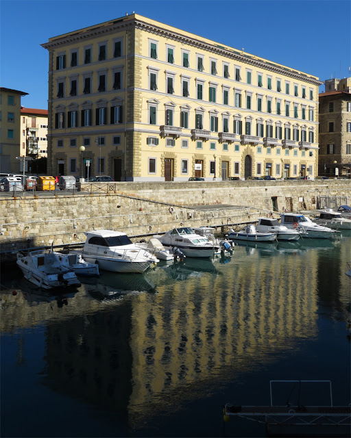 The Palazzo dell'Aquila Nera (Black Eagle Palace) seen from the other side of the Fosso Reale (Royal Canal), Livorno