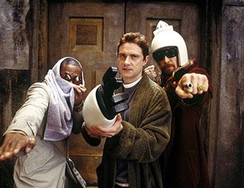 Les terreurs effrayantes d' H2G2 : Le Guide du voyageur galactique : Ford Prefect (Mos Def), Arthur Dent (Martin Freeman), et Zaphod Beeblebrox (Sam Rockwell)