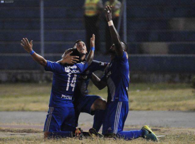 Emelec venció a Deportivo Cuenca en Guayaquil