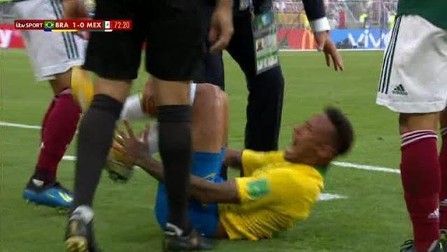 Neymar bị chỉ trích dữ dội vì màn ăn vạ trơ trẽn 2