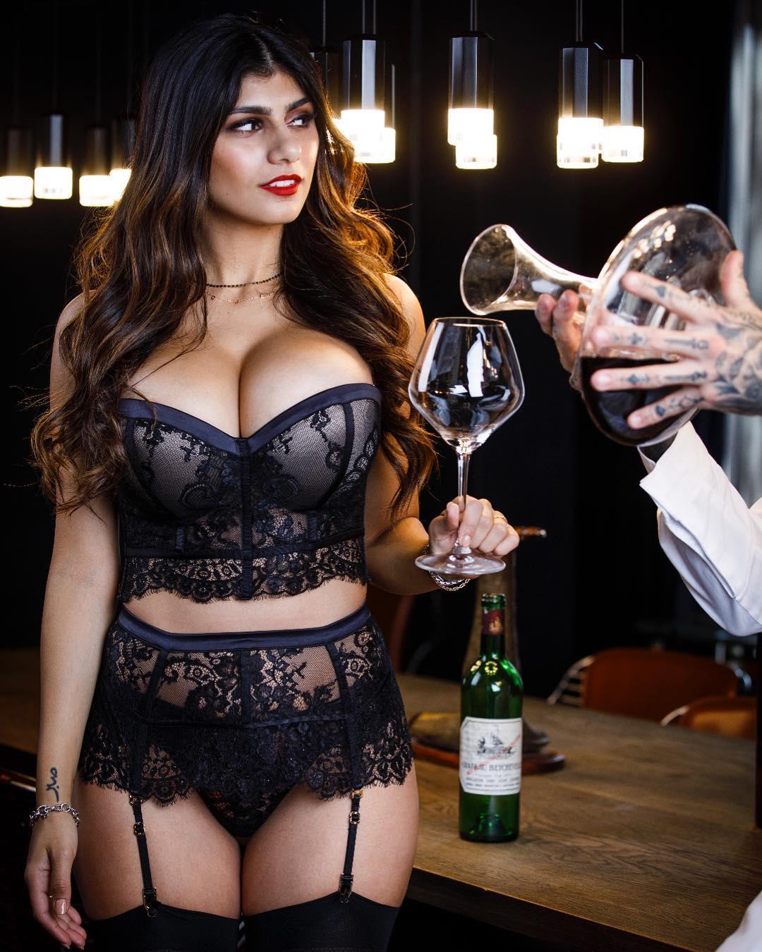 Mia Khalifa Hd Hot  Sexy Photos  Instagram Viral - Pro -5533