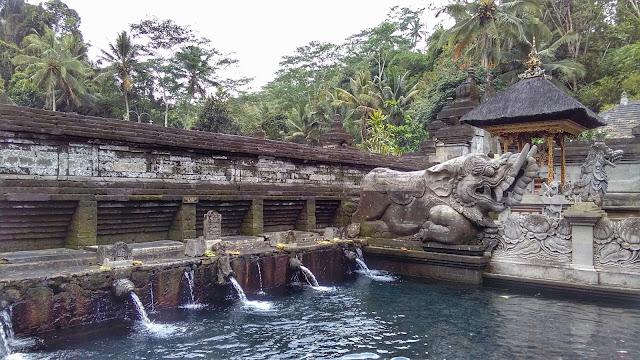 Pura Tirta Empul piscinas de purificación
