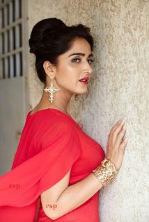 Divya Singh (5).jpeg