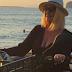 Ρούλα Κορομηλά: Έμαθε να οδηγεί γουρούνα και κέρασε όλο το beach bar (photos)