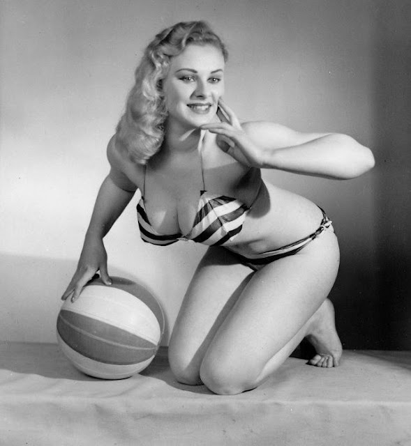 Las provocativas fotografías de Sabrina - Norma Ann Sykes