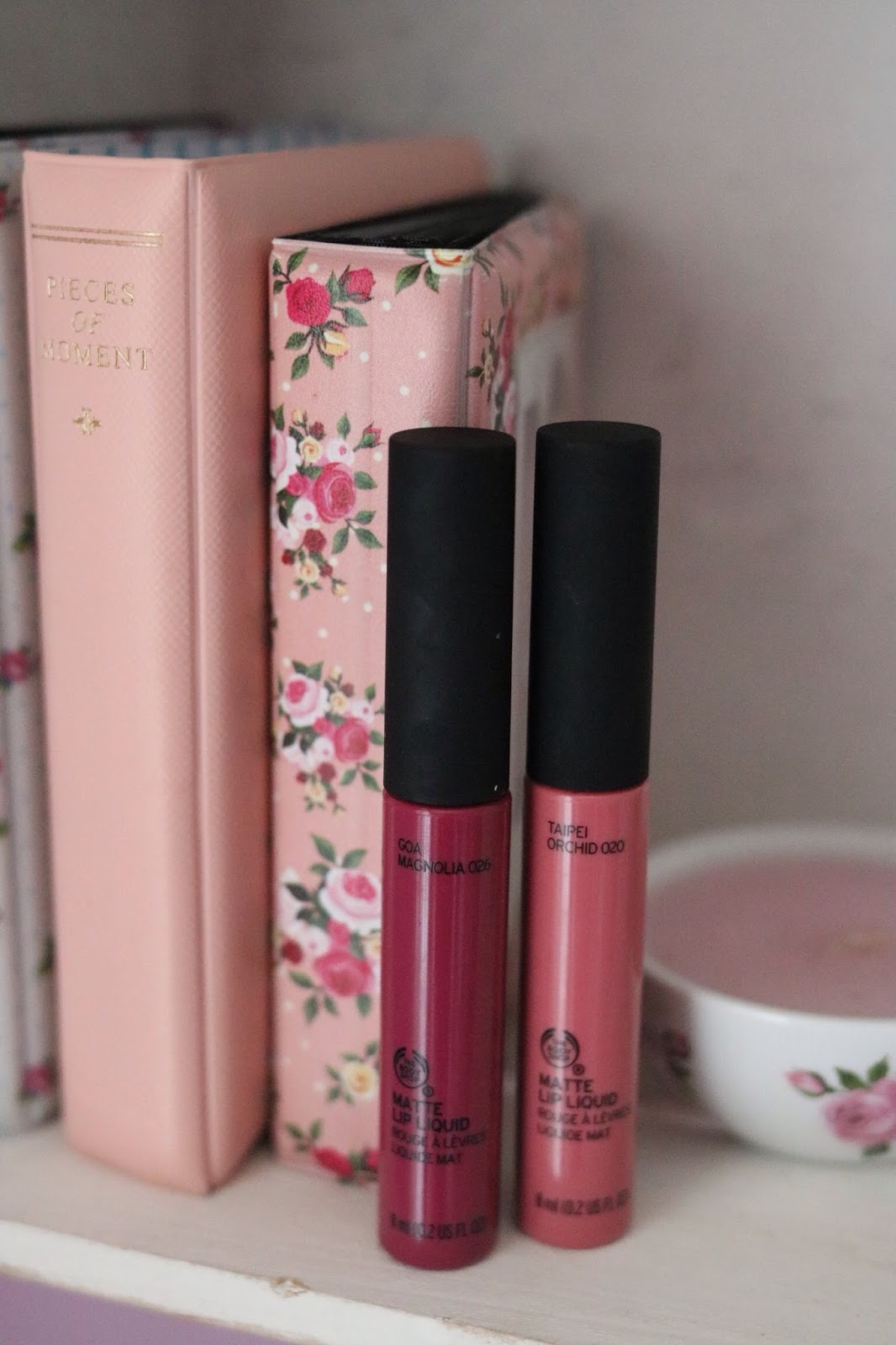 rosemademoiselle-rose-mademoiselle-the-body-shop-nouveautés-maquillage-2017-gloss-à-lèvres-rouges-à-lèvres-crush-avis-revue-goa-magnolia-tapei-orchid-420-Honolulu-Pink-423-Rio-Fuchsia-425-Lima Magenta-blog-beauté-paris-swatch