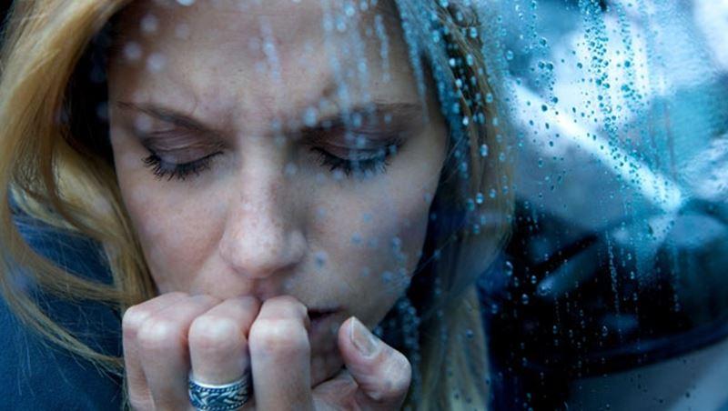 Kadınlar neden depresyon pençesinde?
