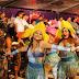 """Una noche espectacular con el """"Desfile de Fantasía"""" en Plaza Carnaval"""