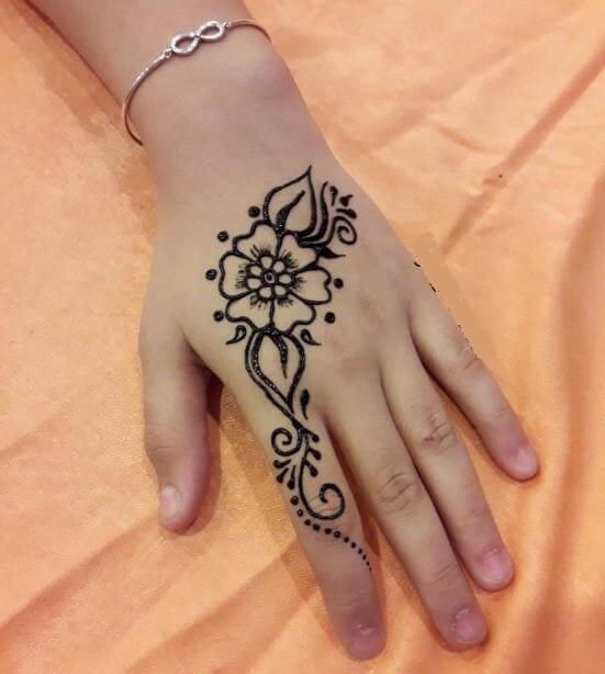 Brown Henna Tattoo: 50 Amazing Henna Tattoos For Girls (2018)