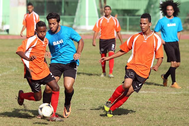 Cuatro equipos triunfan en inicio nacional juvenil de fútbol