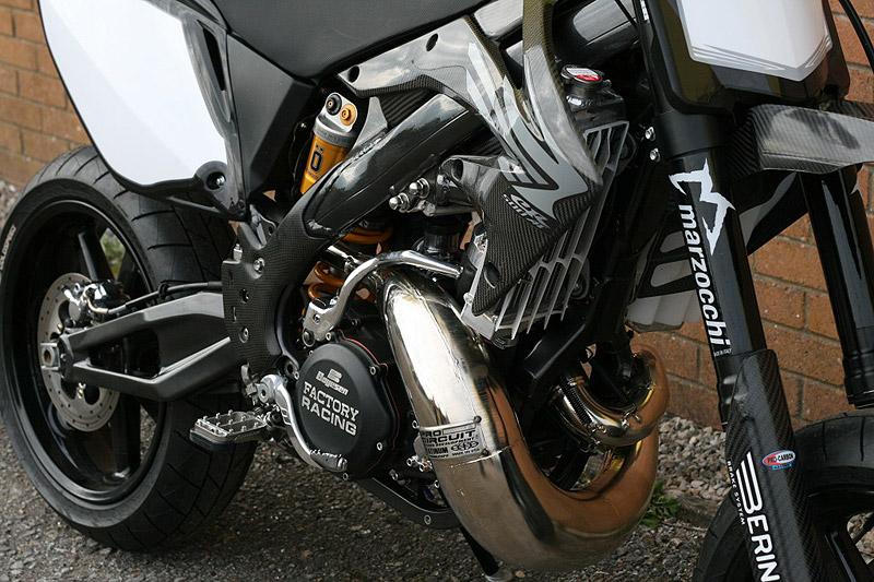 Racing Caf U00e8  Honda Cr 500  U0026quot Black Diamond U0026quot  By Taffy Racing