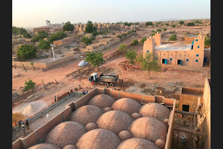 Customs made: Hikma religious and secular complex in Dandaji, Niger by Atelier Masōmī https://www.architectural-review.com/awards/w-awards/customs-made-hikma-religious-and-secular-complex-in-dandaji-niger-by-atelier-masomi/10046493.article#.XmFScwgrTWE.twitter