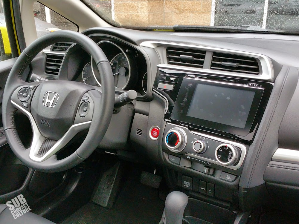 2015 Hodna Fit interior