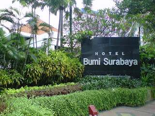 Novotel Surabaya dan Hotel Bumi Surabaya