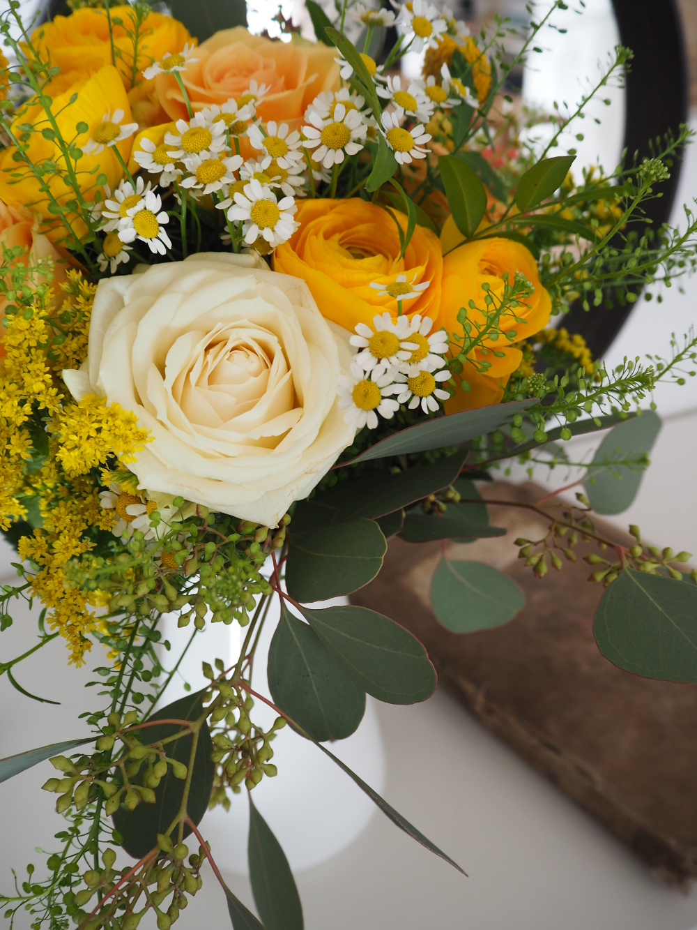 flowers at home. livraison fleurs à la maison. ilaria fatone