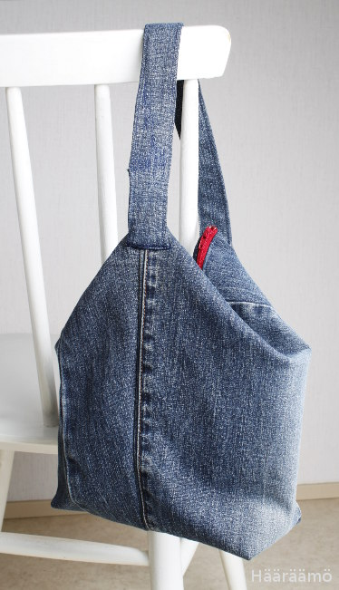 Kolmiulotteinen laukku farkuista