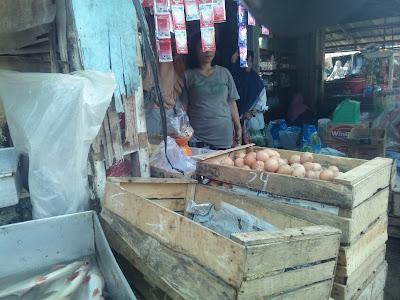 Dari Lebaran Hingga Sekarang, Harga Telur Ayam Melambung Tinggi