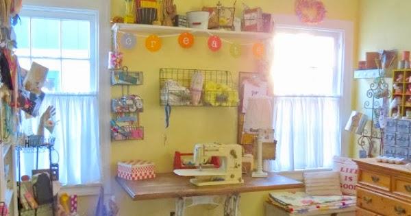 Tweak It Tuesday 74 Cozy Little House