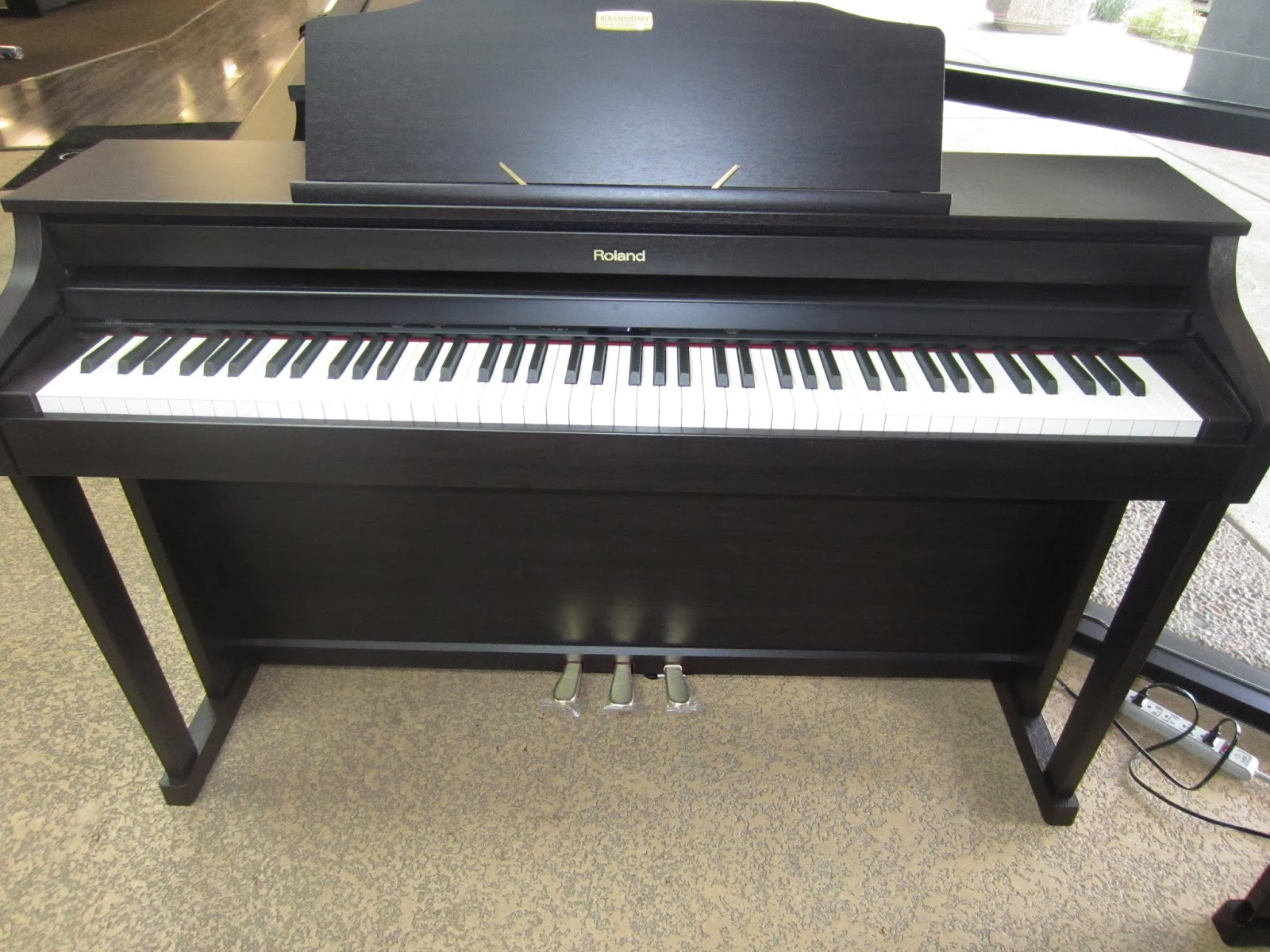 az piano reviews review roland hp504 hp506 hp508 digital pianos recommended. Black Bedroom Furniture Sets. Home Design Ideas