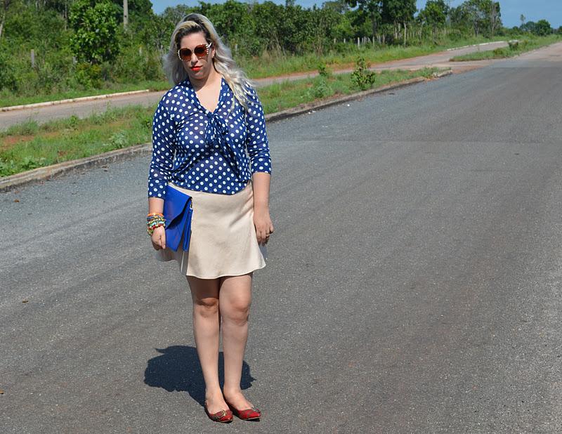 81d636861 Camisa de tule: Lila PinK. Saia Chamois: Lila PinK. Óculos: Bleudame  oversized envelope: Ebay Mix de Pulseiras: Lila PinK. Scarpin: Carmen  Steffens