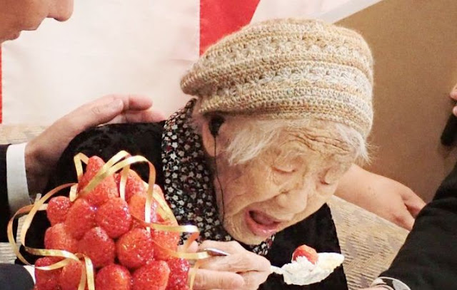 Kane Tanaka: Wanita Tertua di Dunia yang Masih Suka Belajar Matematika dan Kaligrafi