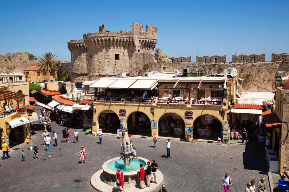 Brit couple try to leave Rhodes restaurant without paying thinking all-inclusive covered whole island