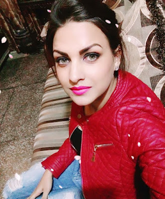 Punjabi Actress Himanshi Khurana  IMAGES, GIF, ANIMATED GIF, WALLPAPER, STICKER FOR WHATSAPP & FACEBOOK