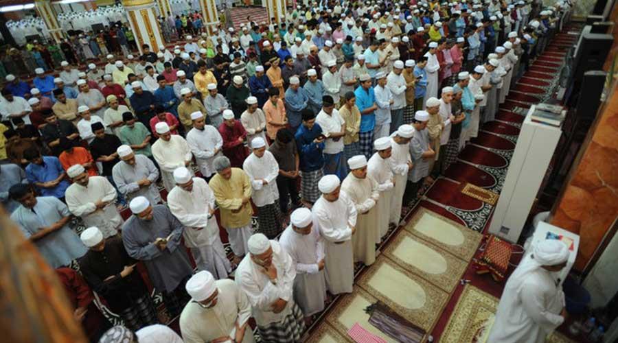 Menjadi Imam Shalat, Apa Syaratnya?