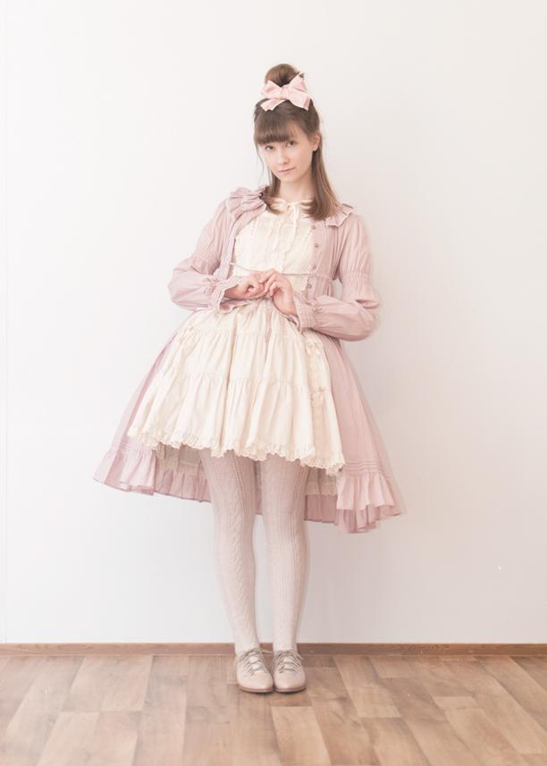 a girl posing in classic lolita