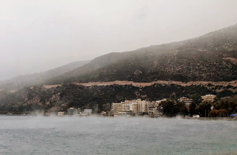 Loutraki in winter. Photo Volta sto Loutraki