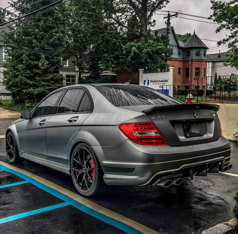 Supercar Mercedes C63 AMG 03