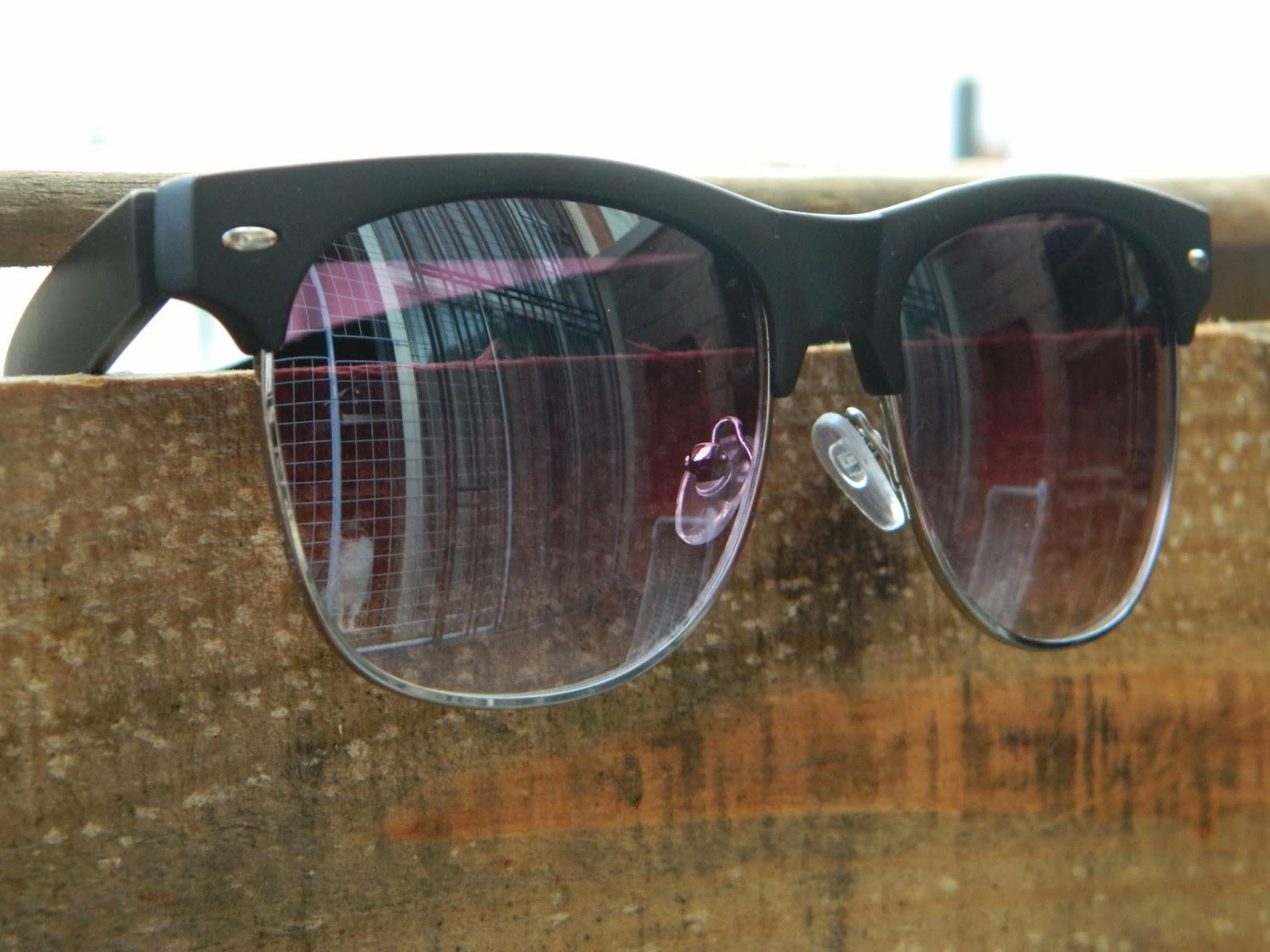 91d531b22 No embalo da postagem dos óculos do Pacey, já fiz estoque de Clubmaster  Style e outros modelos bem legais pra clientela antenada.