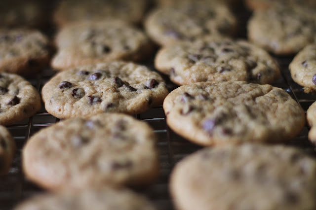Chocolate Chip Cookies via @labride