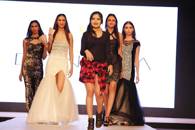 Demonetisation: Designer bid adieu to the discontinued currency in Fashion Show