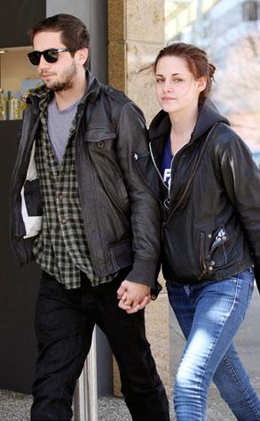 Kristen Stewart with her Boyfriend   Global Celebrities Blog