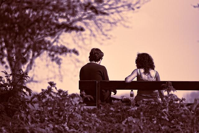 para, ławeczka, miłość, kobieta i mężczyzna