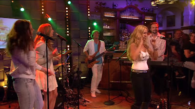 Loona - Bailando ( RTL LATE NIGHT )