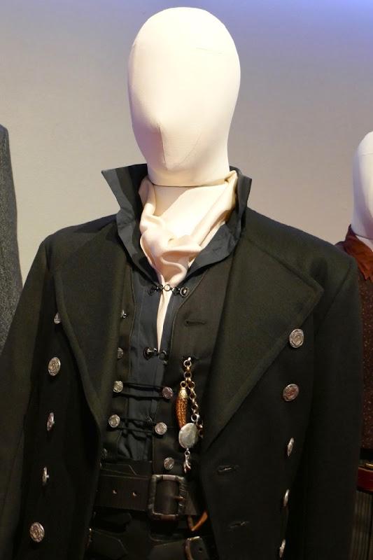 Fantastic Beasts 2 Grindelwald costume detail