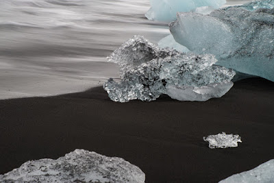 "An icy ""diamond"" on Iceland's Diamond Beach"