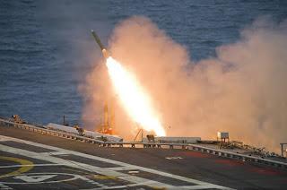 Uji Tembak Rudal dari Kapal Induk INS Vikramaditya