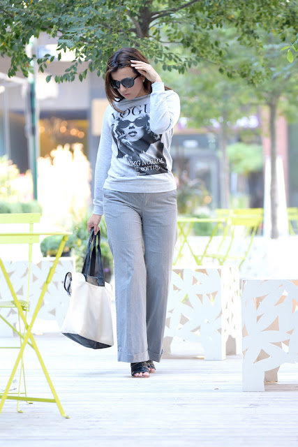 Vogue by Madonna Strike a Pose Wearing: Sweatshirt/Camisa suéter: Choies           Pants/Pantalones: GAP                 Shoes/Zapatos: Dolce Vita                    Bag/Bolso: Elizabeth Arden