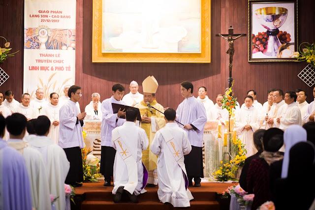 Lễ truyền chức Phó tế và Linh mục tại Giáo phận Lạng Sơn Cao Bằng 27.12.2017 - Ảnh minh hoạ 19