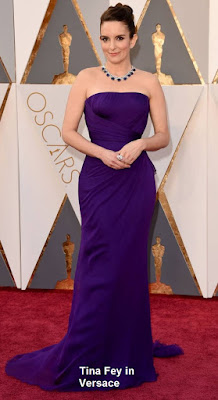 Tina%2BFey%2Bem%2Bmodelo%2BVersace - Look Óscares 2016